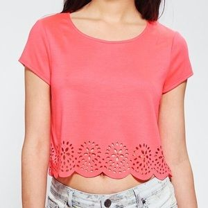 UO Pins & Needles Laser Cut Scalloped Crop Top 8A
